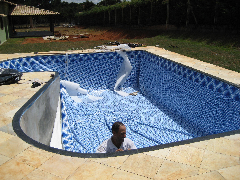 Troca do vinil de piscinas trocar vinil da piscina em bh for Fabrica de piscina
