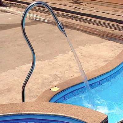 Como fazer cascata para piscina with como fazer cascata for Piscina tubular pequena