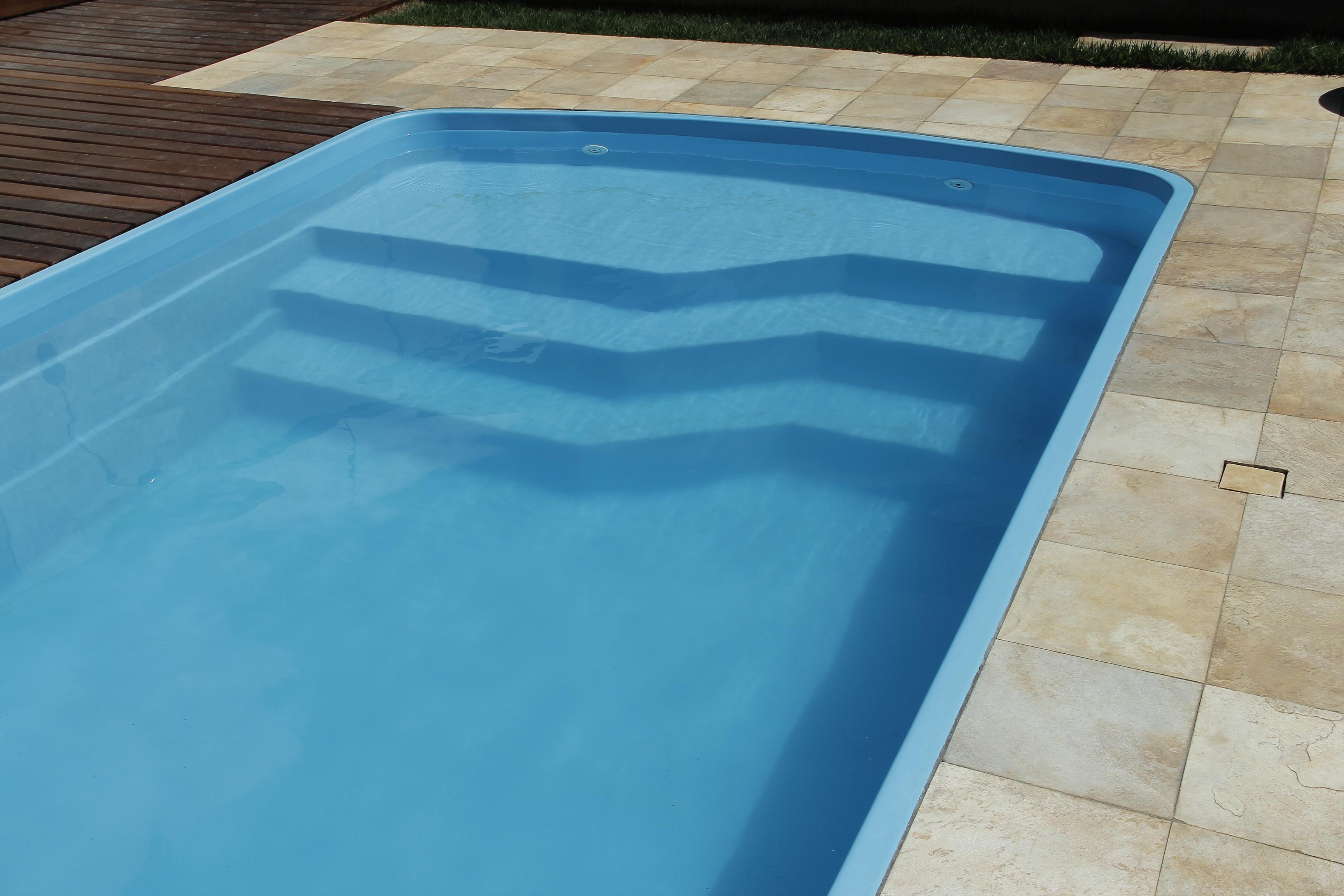 Piscinas de fibra bh mg piscina piscinas bh modelos for Piscina para casa medidas